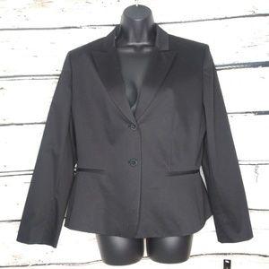 NWT/ Tahari Arthur S. Levine Petite Black Blazer